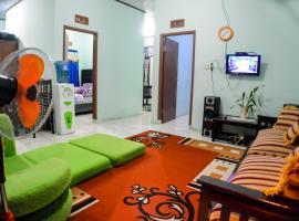 Homestay sembiring, villa in Bogor