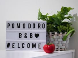 Pomodoro B&B, hotel in Naples