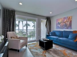 Casa del Sol- Waterfront with heated pool and WIFI, apartment in Tampa