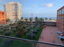 Wake up to the sea !!!!!, hotel vicino alla spiaggia a Barcellona