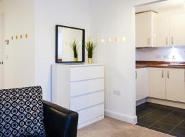 Peregrine Suite, apartment in Warwick