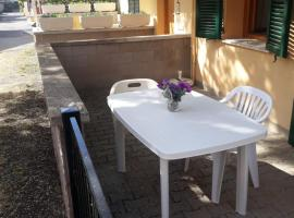Monolocale Linda, hotel in Cecina