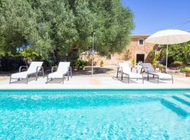 Preciosa Finca rustica con A/C y piscina exclusiva, hotel in Algaida