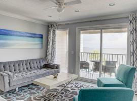 La Bella Vita - Luxury Waterfront Condo-Free WIFI-Heated Pool, vacation rental in Tampa