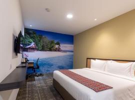 Hotel 7 Suria, отель в Кота-Кинабалу