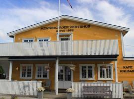 Henningsvær Guesthouse, hotell i Henningsvær
