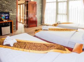 Lisha Grand Hotel, hotel in Vang Vieng