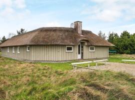 Four-Bedroom Holiday home in Vejers Strand 9, villa en Vejers Strand