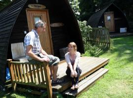 Tehidy Holiday Park Wigwam Camping Cabins, glamping site in Illogan