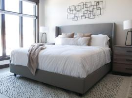 Modern Park City Penthouse Condo - Cabriolet Lift, serviced apartment in Park City