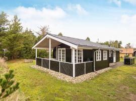Three-Bedroom Holiday home in Oksbøl 43, maison de vacances à Vejers Strand