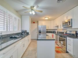 Quiet Home with Patio about 4 Mi to UTEP and Airport!, vacation rental in El Paso
