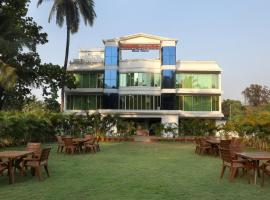 OYO 12817 White house beach resort, hotel in Alibag