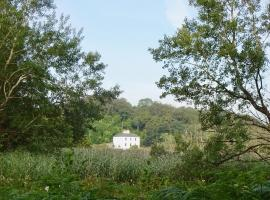 Riverbank House Bed and Breakfast Innishannon, hotel in Inishannon