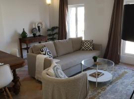 Appartement Saint-Exupéry - Spacieux - Hypercentre, hotel in Castelnaudary