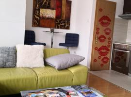 1,5 szobás lakás terasszal,közel a Széchenyi fürdőhöz, hotel poblíž významného místa Keleti vlakové nádraží, Budapešť