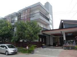 Stay Maja Kostel, hotel dekat Simpang Lima, Semarang