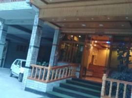 Hotel Royal Palace, hotel near Kullu–Manali Airport - KUU, Kasol
