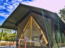 Forest Lodge Camp, luxury tent in Udawalawe