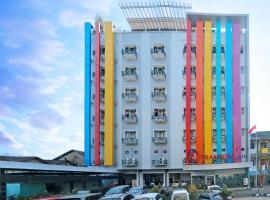 Transera Hotel Pontianak, hotel near Supadio Airport - PNK, Pontianak
