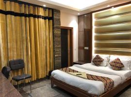 Stay @ 203, hotel in Noida