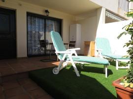 Los Geranios 21 Tenerife, hotel in Costa Del Silencio