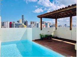 Cobertura barra-ondina, hotel with jacuzzis in Salvador