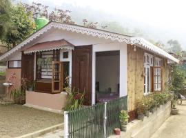 Travellers Homestay-Offbeat Destination, pet-friendly hotel in Darjeeling