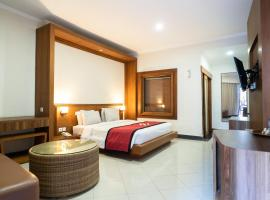 Maxi Hotel, Restaurant and Spa, hotel near Made's Warung Kuta, Legian