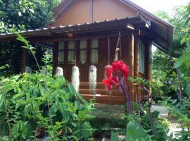 Old Barn Bungalow in Organic Garden, resort village in Thalang