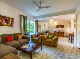 Cosy Paradise in Nerul near Candolim Beach, hotel with pools in Old Goa