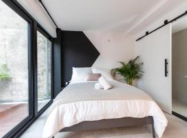 Sea Breeze loft apartment II, apartment in Scheveningen