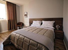 In Center Hotel, hotel en Tirana
