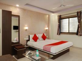 OYO 13902 Orient Bay Inn, hotel in Panchgani