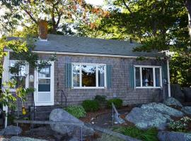 Captain's Cottage, holiday home in Rockport