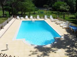 le pigeonnier chambre d'hôtes la Provenç'âne, hôtel à Salernes près de: Château Mentone