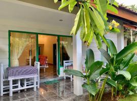 KASA Holiday House, villa in Kuta Lombok