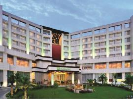 Holiday Inn Chandigarh Panchkula, spa hotel in Chandīgarh