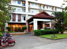 โรงแรมนานาบุรี  โรงแรมในชุมพร