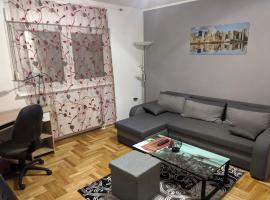 Apartment in quiet area with free parking, hotel in Varaždin