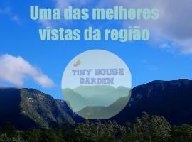 Tiny House Garden, hotel in Praia Grande