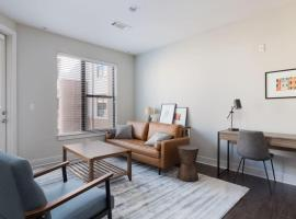 Trendy Plaza 1BR with Free Parking by Zencity, vacation rental in Kansas City