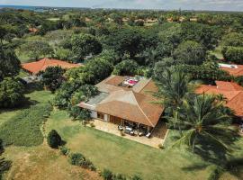 Villa Fernando Arosa, hotel with jacuzzis in La Romana
