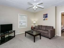 8th Ave Cottage, vacation rental in Pensacola