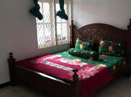 Villa 3 Putri 27, homestay in Batu