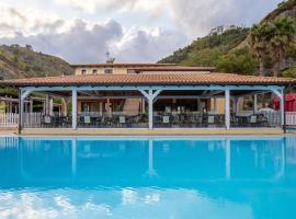 Arcomagno Village Hotel, hotel in San Nicola Arcella