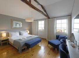 Feels Like Home Santa Catarina Prime Suites, bed and breakfast en Oporto