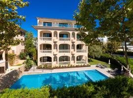Apartamentos S,Olivera, beach hotel in Canyamel
