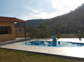 Casa de campo, pet-friendly hotel in Petrópolis