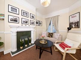 Liverpool City Stays - The Beatles Theme House - Penny Lane DD1, hotel in Liverpool